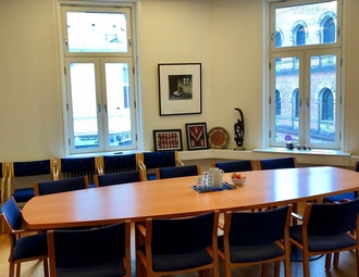 Office, Oslo, Universitetsgaten