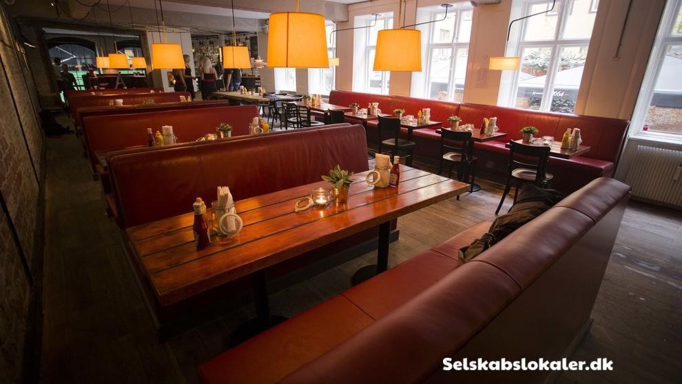 Gammel Strand 34, 1202 København K
